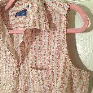 Sleeveless vintage blouse.
